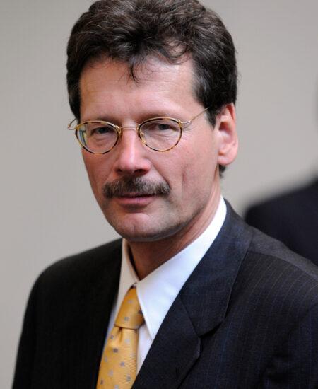 Dr. Ralf STEINMETZ